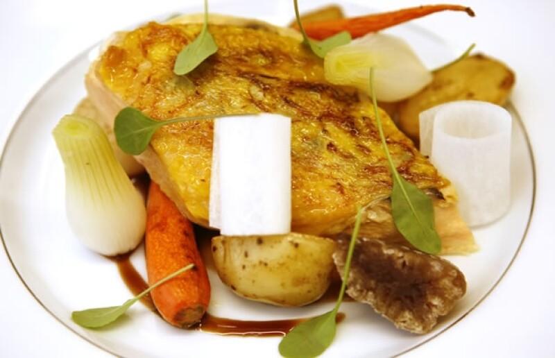 El chef ejecutivo del restaurante Oca preparó un platillo exclusivo para los lectores de Quién.com con el objetivo de que tengan una opción más para comer o cenar en Navidad.
