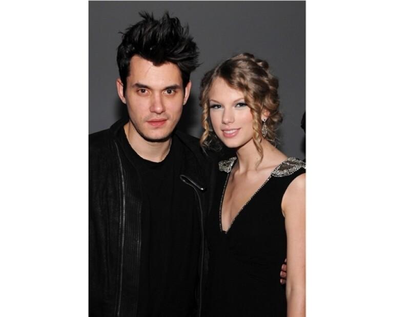 John tiene también un largo historial de amoríos con personalidades del entretenimiento como Jennifer Aniston, Jessica Simpson y Katy Perry.