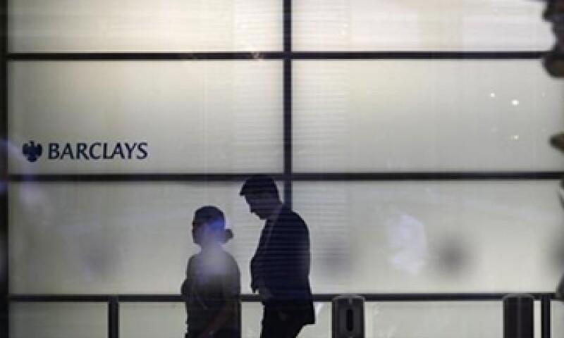 Barclays fue multado con una cifra histórica de 450 mdd por reguladores EU y el Reino Unido. (Foto: Reuters)