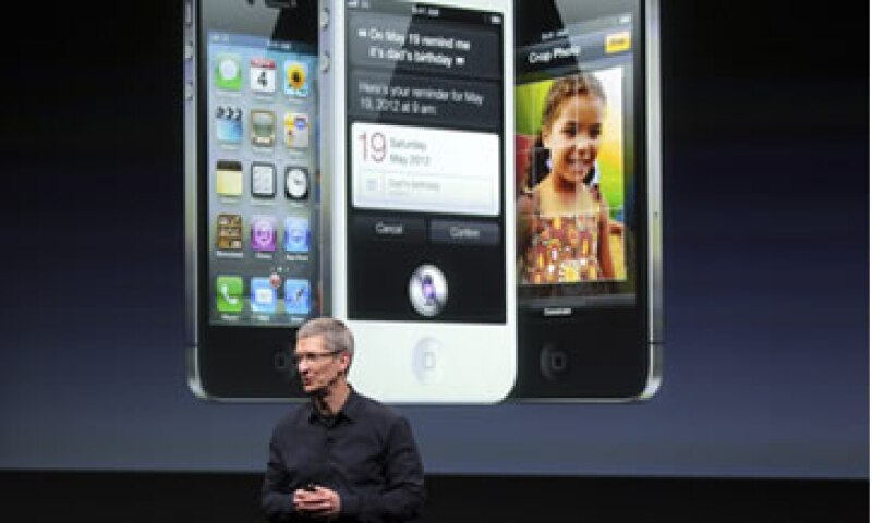 El espectáculo de este martes 'Hablemos del iPhone' marcó el debut no oficial de Cook desde que tomó el lugar de Jobs. (Foto: Reuters)