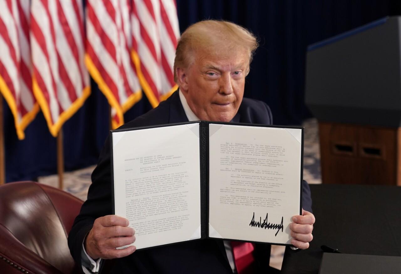 Trump firma por decreto apoyos a la economía... pero no podrá movilizar recursos
