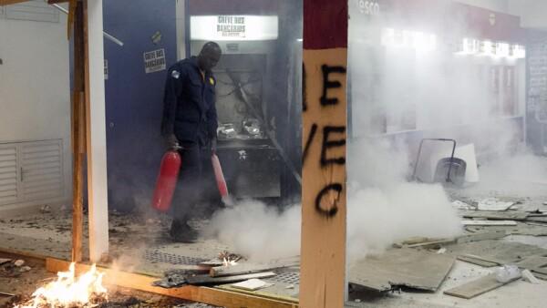 Daños por enfrentamientos en Rio de Janeiro