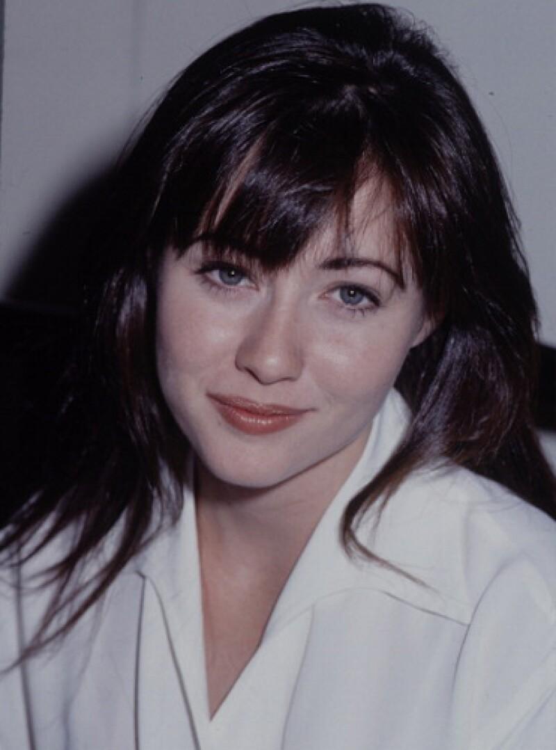 La actriz se derrumbó al contar su lucha contra el cáncer de mama durante la entrevista que le realizó el Dr. Oz para su programa.
