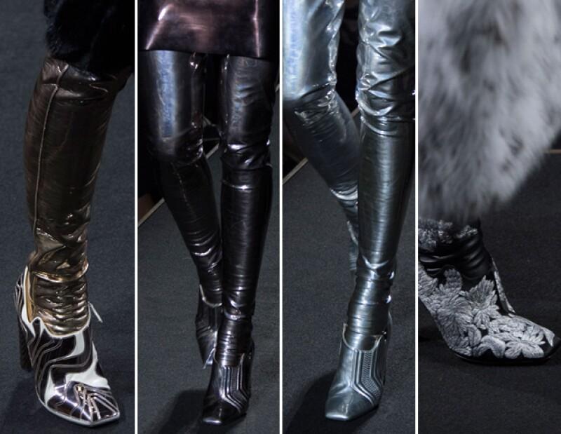 Así como en Dior, Fendi estilizó sus creaciones con botas kilométricas.