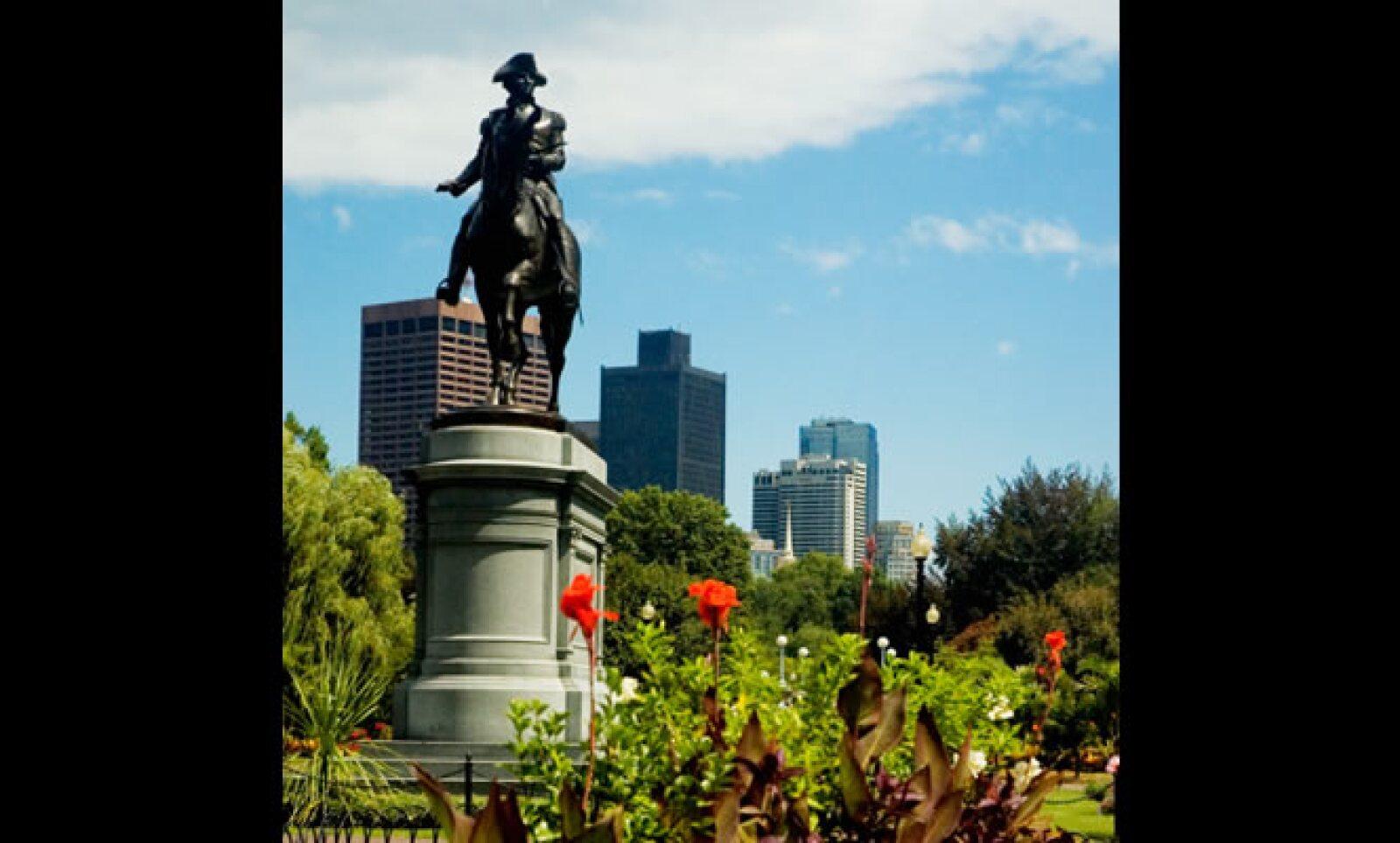 Celebre dentro de la historia de Boston, Revere ofició como mensajero en la época de guerra y considerado como uno de los patriotas de la indepedencia de Estados Unidos.