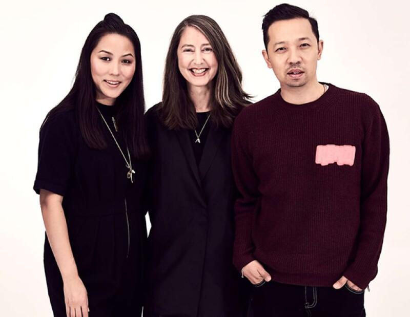 La diseñadora de Kenzo, Carol Lim, con Ann-Sofie Johansson, Asesora Creativa de H&M, y Humberto Leon, también director creativo de la firma parisina.