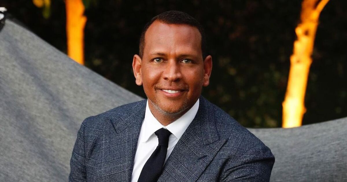 Alex Rodriguez reappears after breaking up with JLo and looks so good that he is showered with compliments