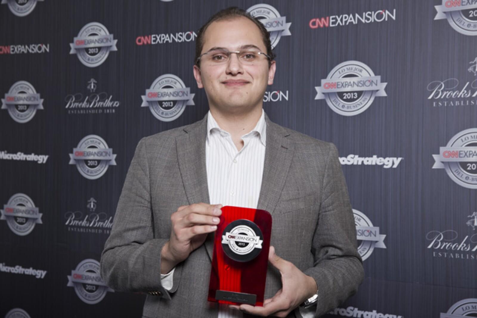 El vicerrector de Vinculación y Mercadotecnia de Universidad TecMilenio, recibió a nombre de su equipo el galardón al Mejor proyecto de Educación. CNNExpansión reconoció su proyecto Feria Virtual de Inscripciones. Los Premios a lo Mejor del e-Business nac