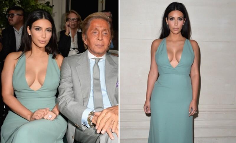 Kim Kardashian en front row de pasarela de Valentino.