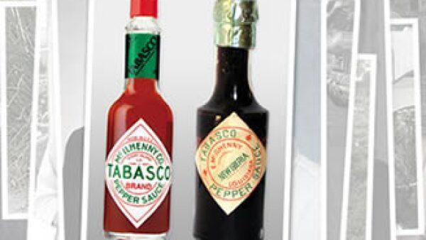 La mezcla original no ha cambiado y aún se marinan los chiles en barriles de roble blanco con whiskey. (Foto: Cortesía CNNMoney)