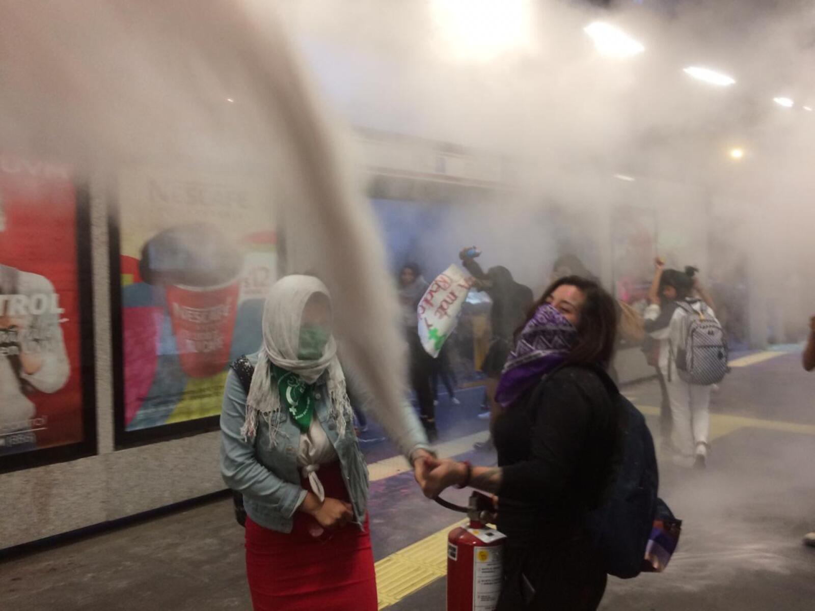 Destrozos en el Metrobús 2