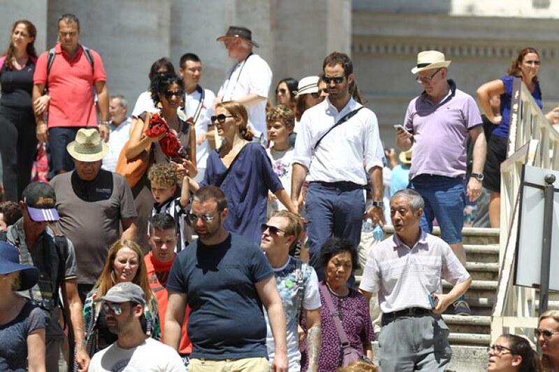 La ganadora del Oscar visitó St. Peter's Cathedral, the Vatican Museums and Sistin Chapel.