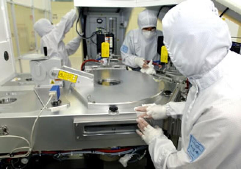 China tiene una industria electrónica local con presencia mundial en computadoras personales y celulares, entre otros productos (Foto: AP)