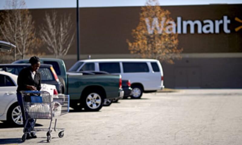 Los protestantes pidieron a Walmart que ponga a las familias por encima de las ganancias. (Foto: AP)