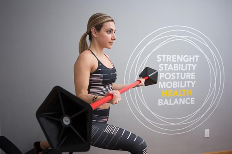 En este concepto de gimnasio boutique encontrarás un entrenamiento funcional con el que no sólo transformará tu cuerpo, también tu mente. Celebs como Alessandra Ambrosio y Sofía Vergara lo practican.
