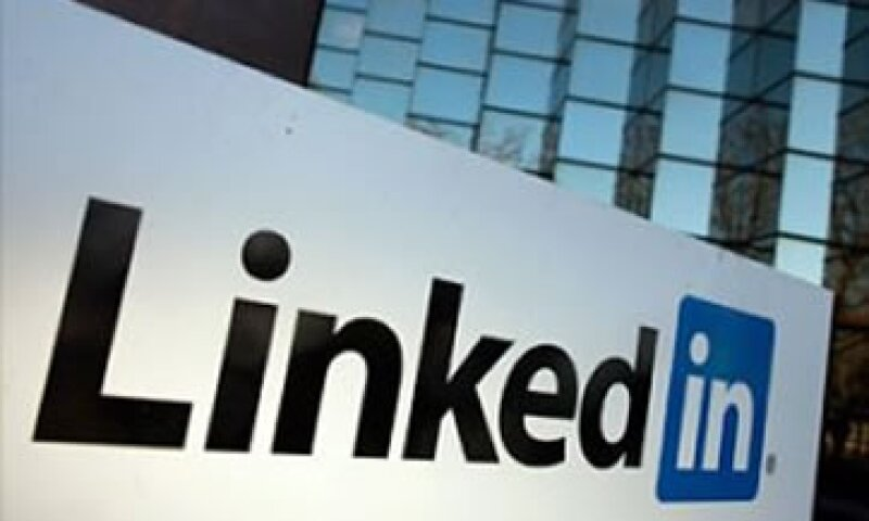 LinkedIn reproduce la misma experiencia que ofrece Twitter.  (Foto: (Foto: Cortesía Fortune))