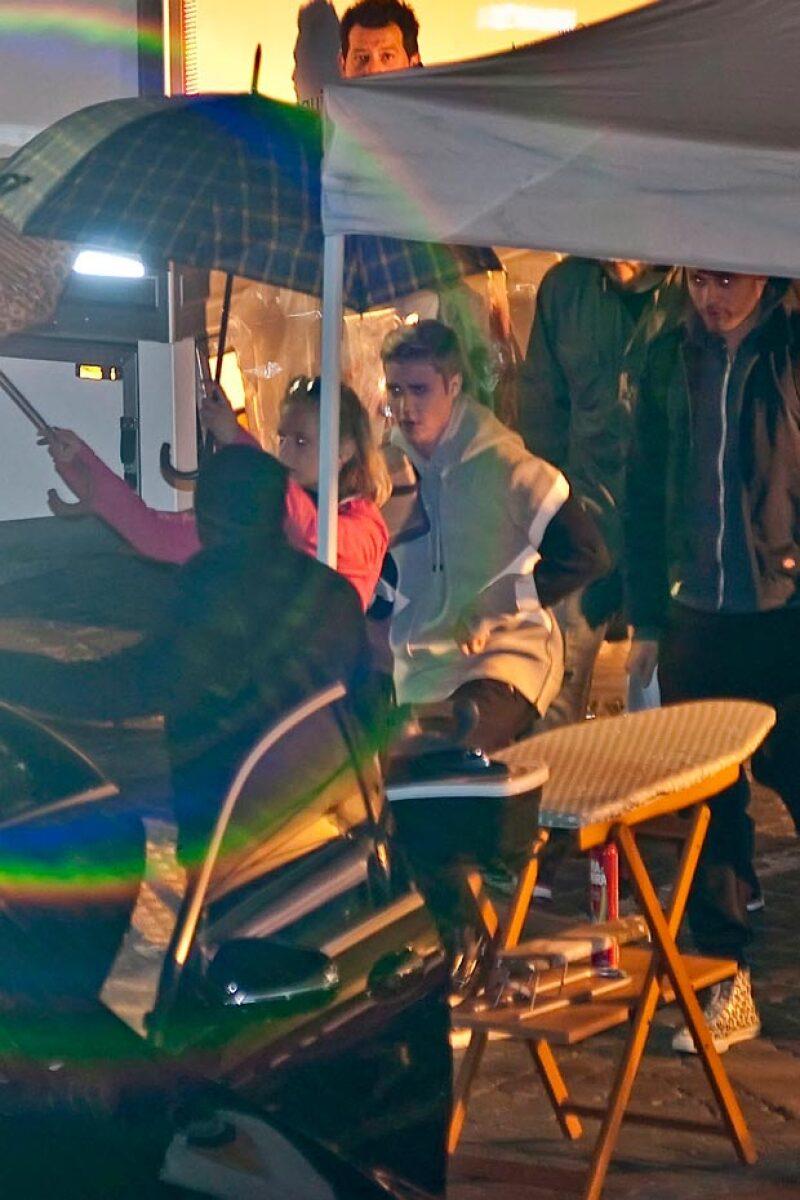 Justin se veía muy cómodo y contento en el set de grabación.