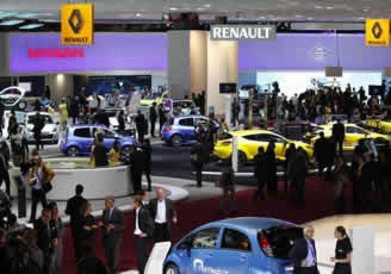La división OPEL de GM dijo que el mercado automotriz de Europa Occidental había tocado fondo, pero que se mantendría deprimido en el 2011.  (Foto: Reuters)