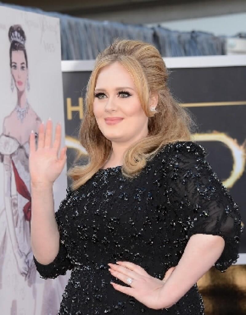 La cantante británica es muy unida a su familia y desea compartir con ellos sus ganancias.