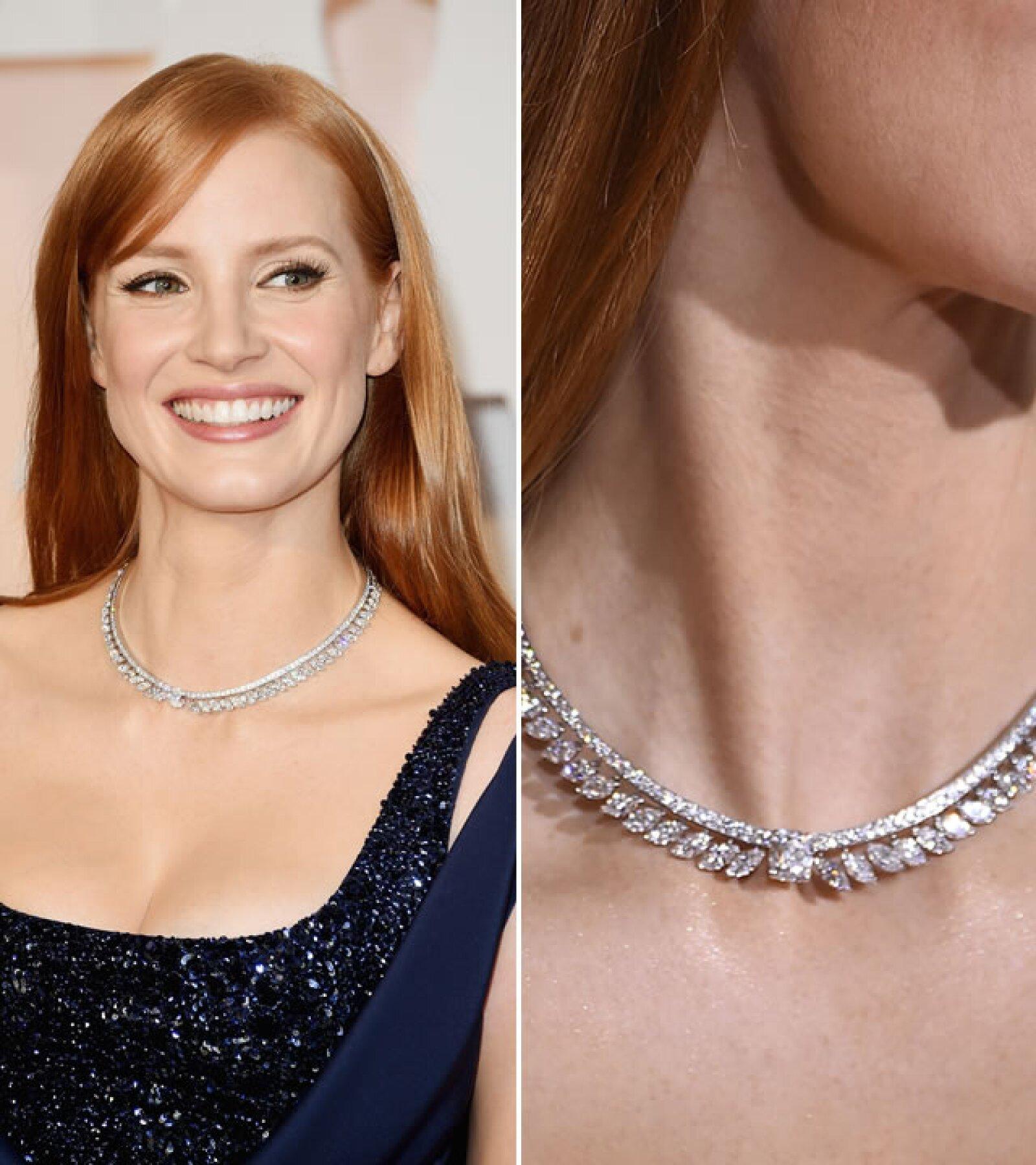 El collar de Jessica Chastain fue un delicado y hermoso diseño de Piaget. Recientemente la actriz se convirtió en la cara de la firma.