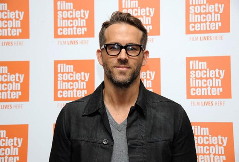 """Ryan Reynolds confesó que su hija James no solo llama """"mamá"""" a Blake Lively, sno que usa la misma palabra con él."""