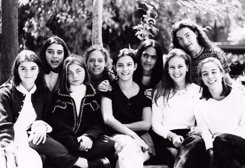 Recientemente publicó esta fotografía con su generación de la secundaria en colegio Madrid.
