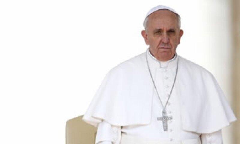 Benedicto XVI había ordenado la entrega de 500 euros a cada trabajador del Vaticano y un día libre para conmemorar su cumpleaños número 80.  (Foto: Reuters)