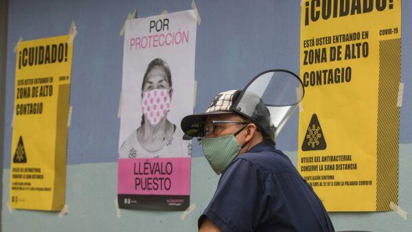 Personas acudieron al Parques San Simón en la colonia Portales en donde la secretaría de Salud instaló un kiosco de la salud para realizarse la prueba de Covid-19.