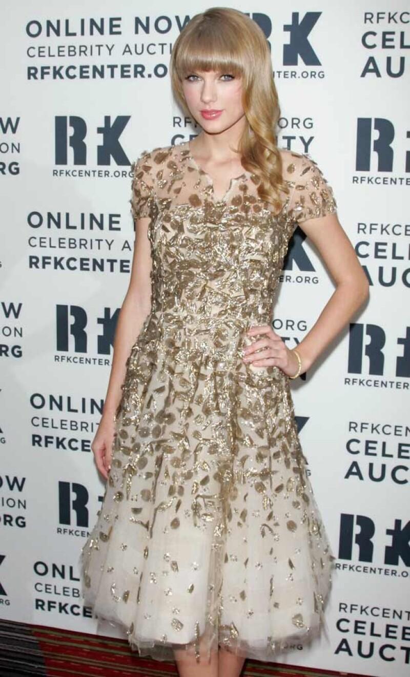 Taylor se llevó el 2012 Ripple of Hope Award del Centro Robert F. Kennedy para la Justicia y los Derechos Humanos por el compromiso que siempre ha mostrado a través de su música.