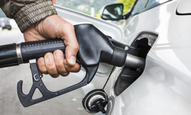 Sólo el 20% de la población más pobre del país captura el 8% del subsidio que se da a los combustibles al transporte, según la OCDE. (Foto: Archivo)