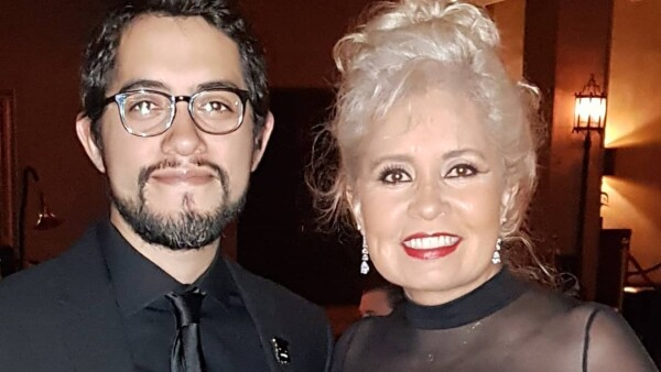 Carlos López Estrada y Carla Estrada