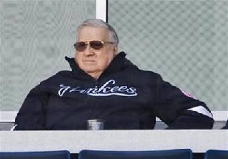 George Steinbrenner compró a los Yankees por 10 mdd y extendió su valor a casi el doble de cualquier otro equipo de béisbol. (Foto: Reuters)