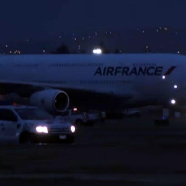El vuelo A380 de AirFrance llegó a la Ciudad de México al atardecer