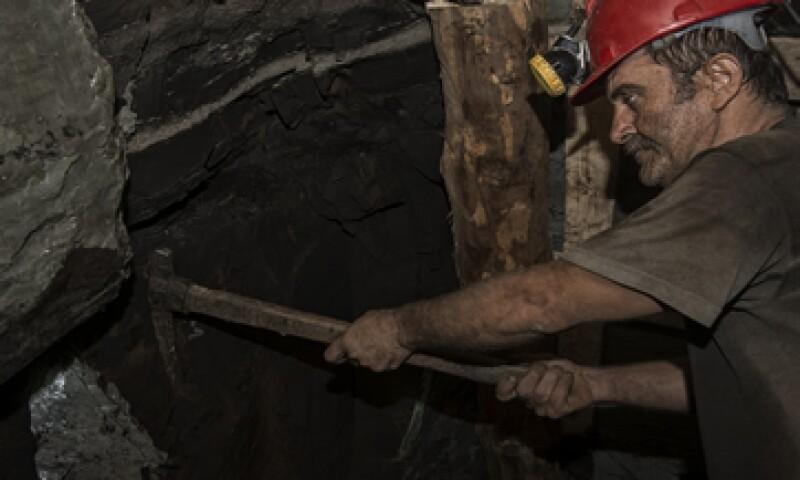 La nueva organización de mineros dice que ya ha superado los agremiados de Napoleón Gómez Urrutia. (Foto: iStock by Getty Images. )
