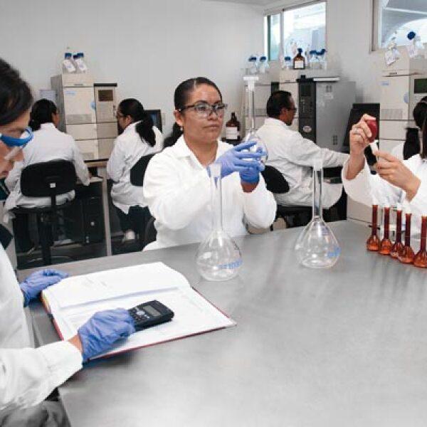 Esta farmacéutica mexicana nació con el objetivo de innovar y crear patentes, por eso cuenta con un departamento de investigación y desarrollo.