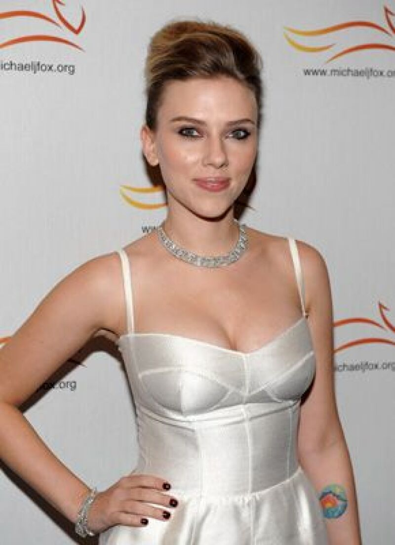 """La actriz se refiere por primera vez sobre su boda con Ryan Reynolds, y reconoció que está en uno de sus """"mejores momentos"""", tras llegar al altar con el actor."""