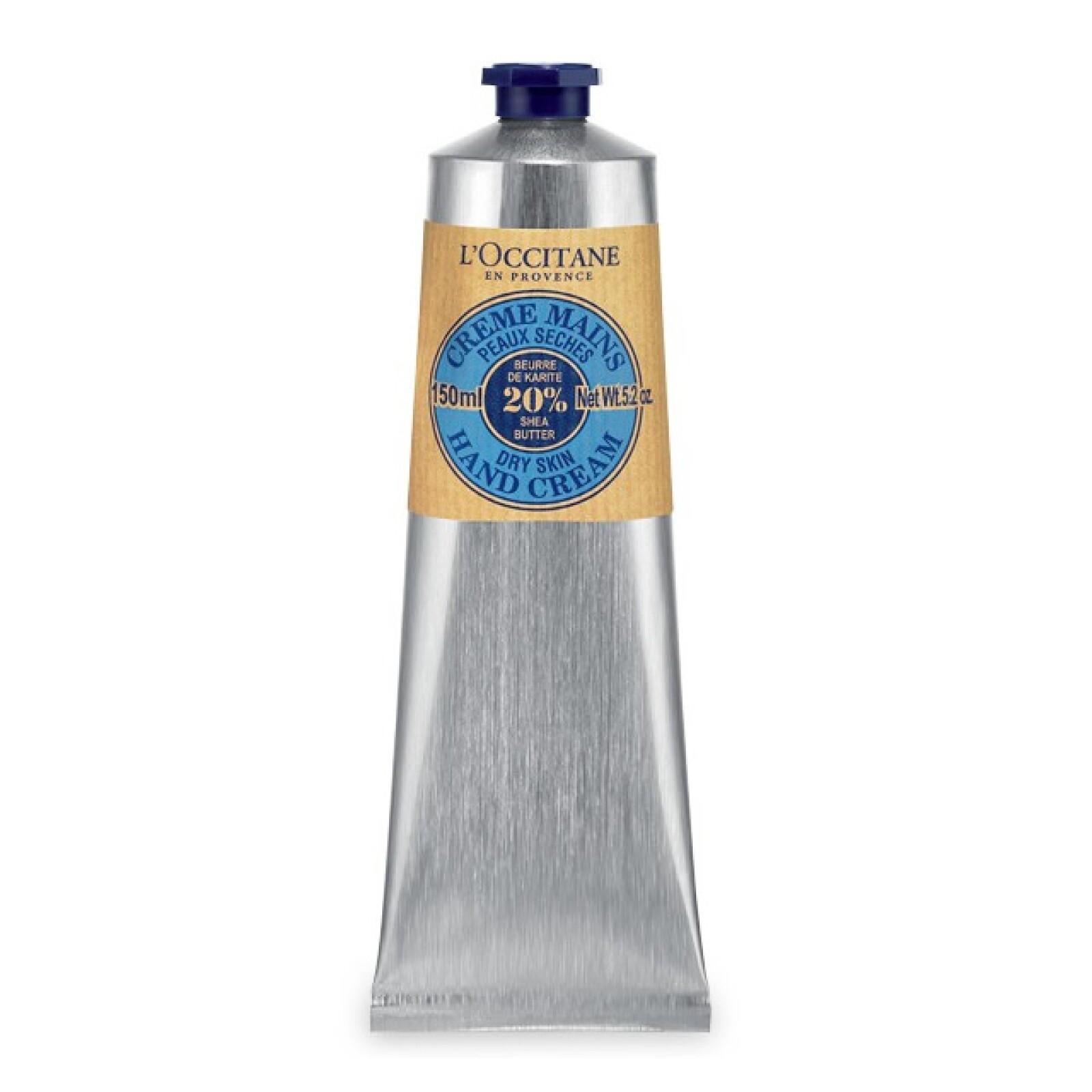 Siempre es importante tener una buena crema de manos en tu kit de belleza. Con la crema de manos Karité de L? Occitane que suaviza profundamente pues tiene manteca de Karité, miel y extracto de almendra, tendrás protección diaria. Boutiques L`Occitane.