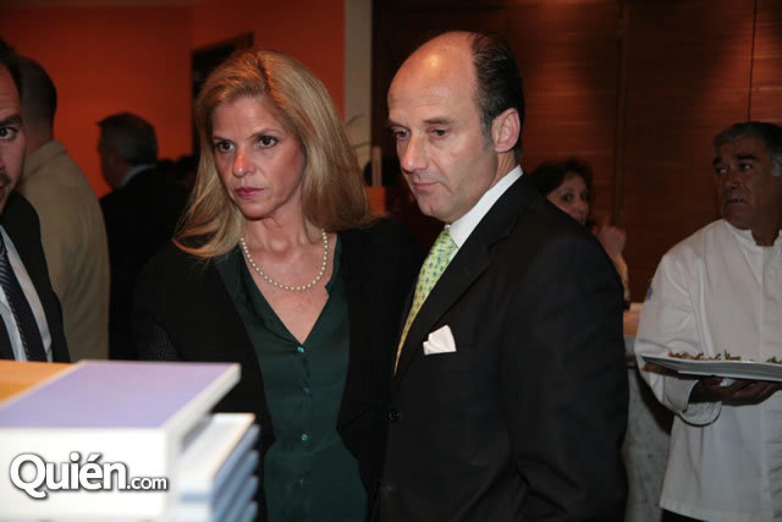 Paulette Huges y Antonio González
