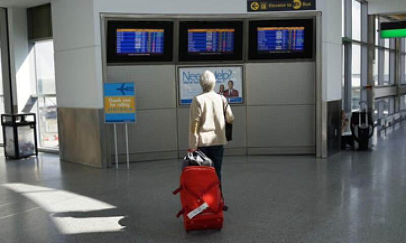 Un tip básico es reservar con anticipación el transporte y el hospedaje. (Foto: Getty Images)