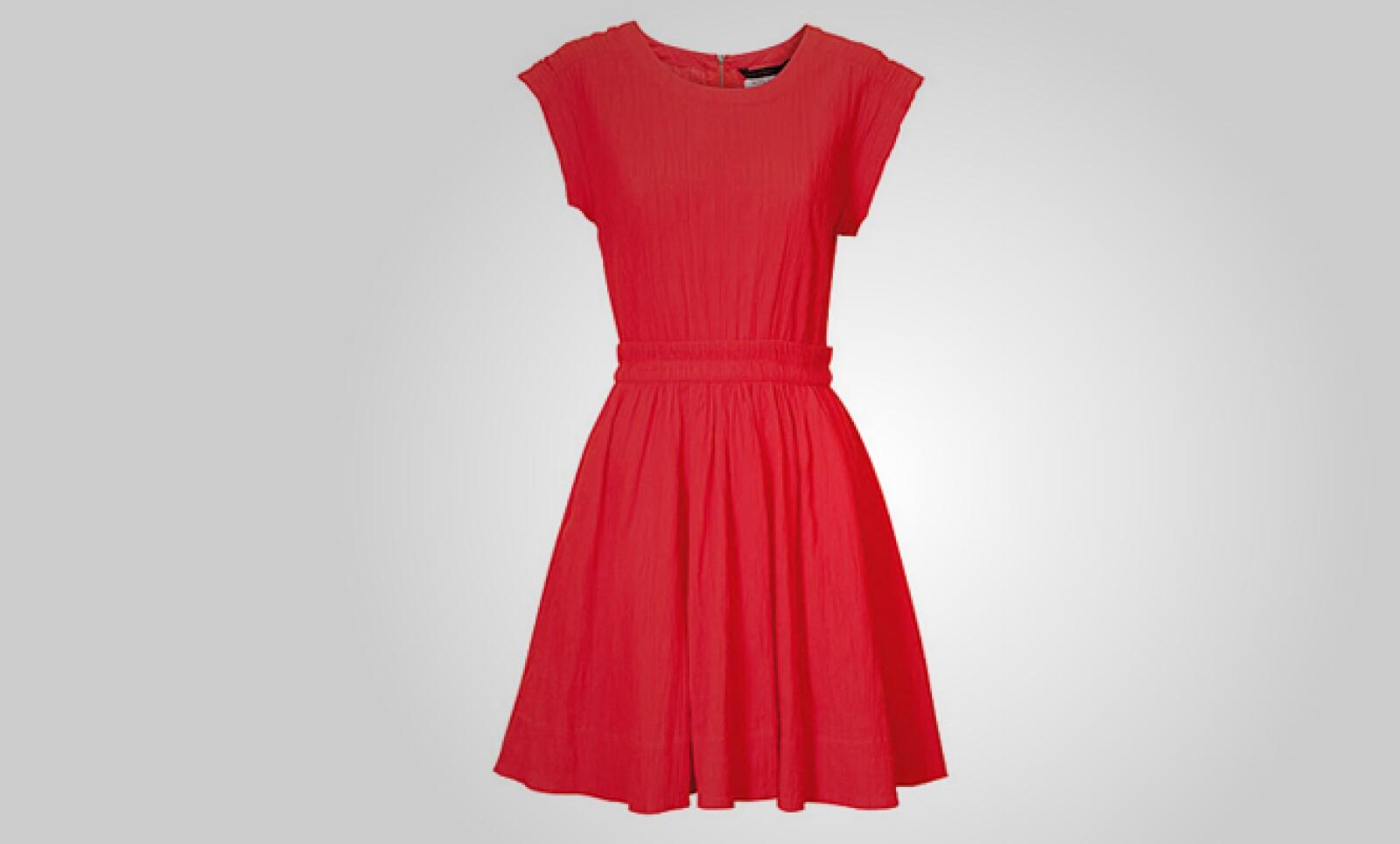 Con un toque más atrevido, este vestido corto será ideal para disfrutar de las altas temperaturas.