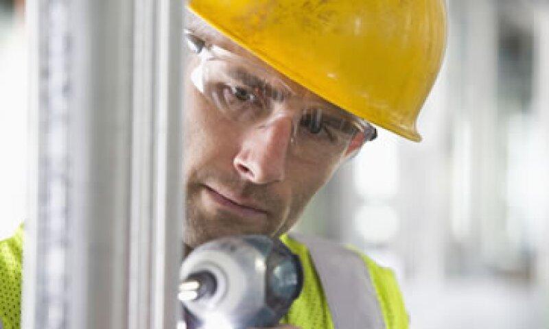 En su comparación anual, la producción industrial bajó 1.6%. (Foto: Getty Images)