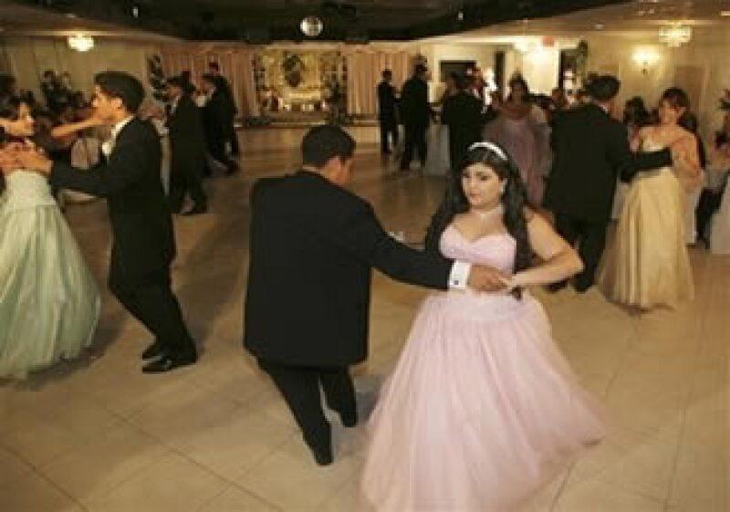 Las fiestas tradicionales de las adolescentes en EU también son golpeadas por al recesión (Foto: AP)