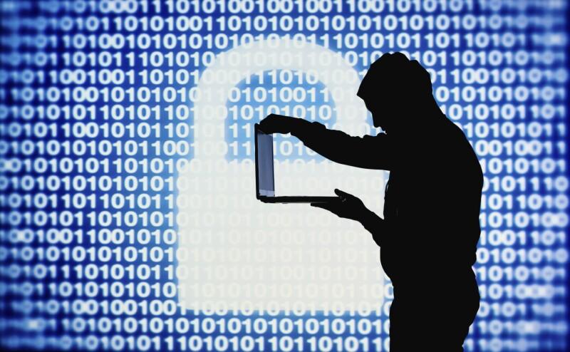 Los banqueros alrededor del mundo señalan que los hackers atacan pequeños bancos para, a través de ellos, entrar a los sistemas de instituciones más grandes.