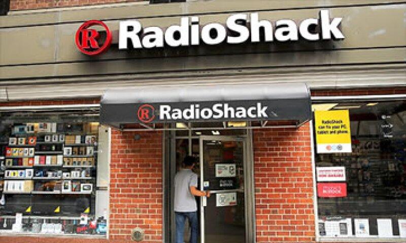 Radio Shack tiene 27,500 empleados en todo el mundo aunque no destacó el número de puestos que serán afectados. (Foto: Cortesía CNNMoney)