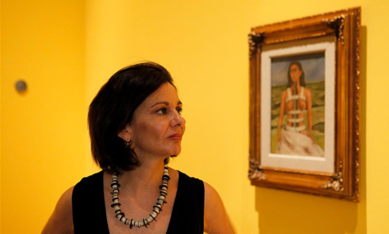 """""""Si se ven las fotografías y se ven las pinturas, uno tiene una idea completa sobre la vida y trabajo de Frida"""", aseguró la curadora y sobrina nieta, Cristina Kahlo."""