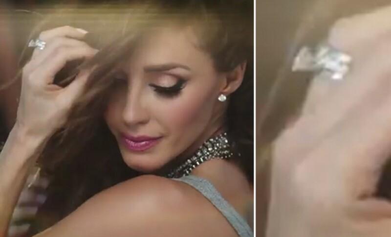 """Notamos que en el video de """"Rumba"""" -que a unas horas de su lanzamiento se convirtió número 1 de iTunes- resalta una joya que bien podría tratarse del símbolo de su matrimonio con Manuel Velasco."""
