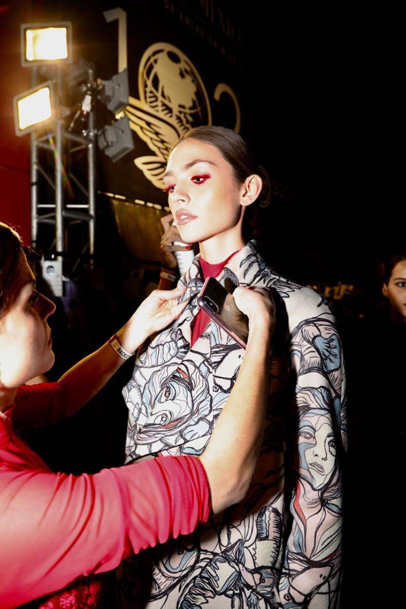 Desfile-Alexia-Ulibarri-MBFWM-Backstage-Model