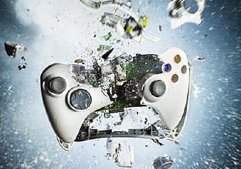 Las consolas de videojuegos podrían perder usuarios ante el auge de los juegos en Internet. (Archivo)