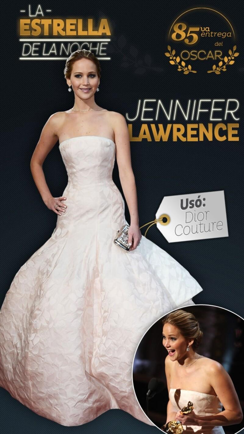 Por su femenino estilo, gran carísma y aclamada actuación, la actriz, de 22 años, no sólo cautivó a la Academia sino al público asistente. Aquí por qué fue la estrella de la 85va entrega.