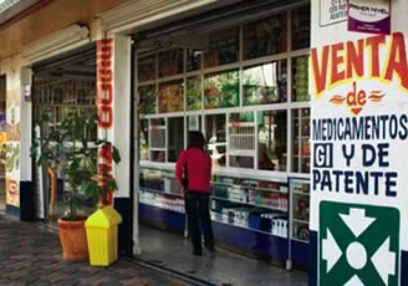 Las farmacias también resienten la situación del sector farmaceútico (Foto: Roberto Hernández)
